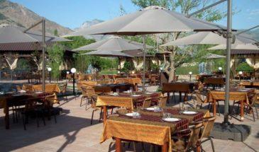 30-charos-letnij-restoran